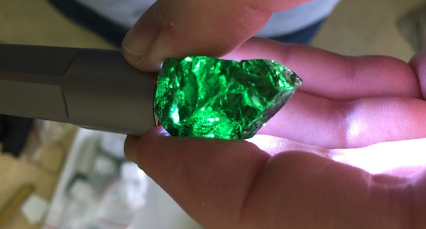 Rough-tsavorite-Diamond